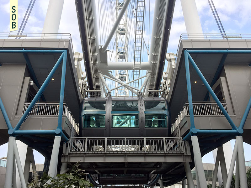 Singapore Flyer capsule loading platform level